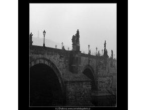Karlův most (2628-6), Praha 1964 leden, černobílý obraz, stará fotografie, prodej
