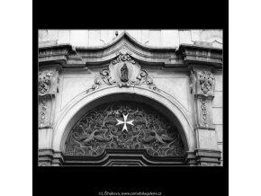 Mříž nad dveřmi (2630), Praha 1964 leden, černobílý obraz, stará fotografie, prodej