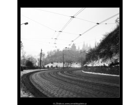 Zatáčka (2661-2), Praha 1964 leden, černobílý obraz, stará fotografie, prodej