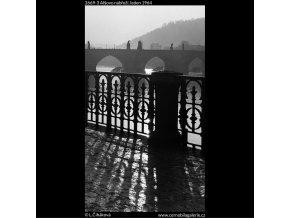 Alšovo nábřeží (2669-3), Praha 1964 leden, černobílý obraz, stará fotografie, prodej