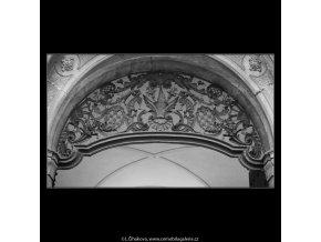 Mříže (2700-1), Praha 1964 únor, černobílý obraz, stará fotografie, prodej