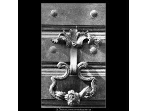 Kovaná ozdoba (2704), Praha 1964 únor, černobílý obraz, stará fotografie, prodej