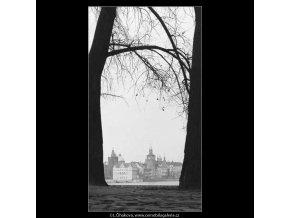 Karlovy lázně (2796-1), žánry - Praha 1964 duben, černobílý obraz, stará fotografie, prodej