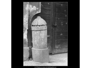 Patník (2898), Praha 1964 duben, černobílý obraz, stará fotografie, prodej