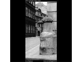 Patník (2924-2), Praha 1964 květen, černobílý obraz, stará fotografie, prodej