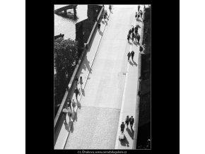 Karlův most (2959-3), Praha 1964 červen, černobílý obraz, stará fotografie, prodej