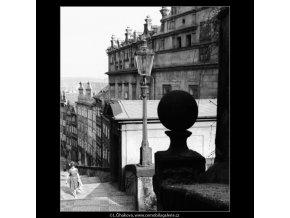 Pohled na Zámecké schody (2967-2), Praha 1964 květen, černobílý obraz, stará fotografie, prodej