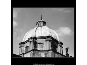 Kostel sv.Františka Serafinského (2969), Praha 1964 květen, černobílý obraz, stará fotografie, prodej