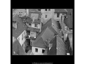 Střechy (2976-11), Praha 1964 červen, černobílý obraz, stará fotografie, prodej