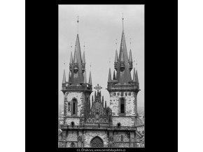 Věže Týnského chrámu (2976-13), Praha 1964 červen, černobílý obraz, stará fotografie, prodej