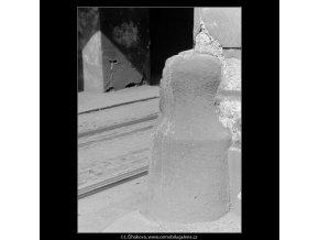 Patník (2978-1), Praha 1964 červen, černobílý obraz, stará fotografie, prodej