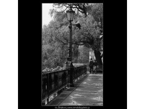Novotného lávka (3038), Praha 1964 červen, černobílý obraz, stará fotografie, prodej