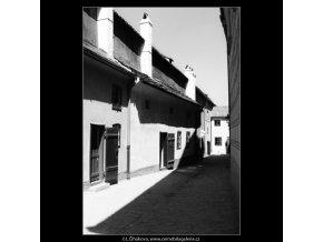 Zlatá ulička (3069-6), Praha 1964 červenec, černobílý obraz, stará fotografie, prodej