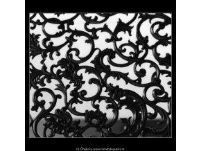 Mříže z Klenotnice (3071-2), Praha 1964 červenec, černobílý obraz, stará fotografie, prodej