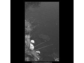 Rybář (3062), žánry - Praha 1964 červenec, černobílý obraz, stará fotografie, prodej