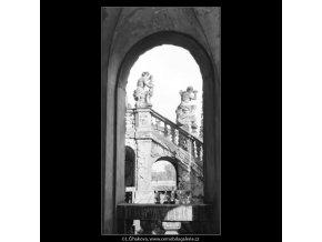 Ze zámku Troja (3104), Praha 1964 srpen, černobílý obraz, stará fotografie, prodej