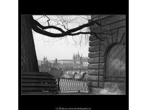 Pohled z lávky (477), Praha 1959 , černobílý obraz, stará fotografie, prodej