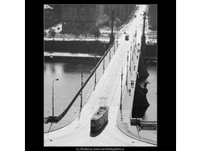 Most Sv.Čecha (3217), Praha 1964 září, černobílý obraz, stará fotografie, prodej