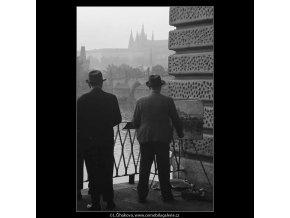 Malíř (3253), žánry - Praha 1964 říjen, černobílý obraz, stará fotografie, prodej