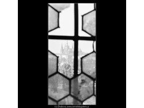 Okénkem Staroměstské věže (3272), Praha 1964 říjen, černobílý obraz, stará fotografie, prodej