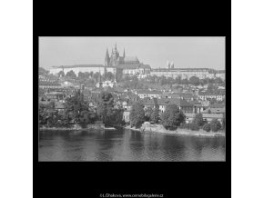 Pražský hrad (3273-1), Praha 1964 říjen, černobílý obraz, stará fotografie, prodej