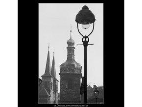 Pohledy na Petrskou věž (3308-2), Praha 1964 listopad, černobílý obraz, stará fotografie, prodej