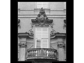 Pražská okna (3341-2), Praha 1964 listopad, černobílý obraz, stará fotografie, prodej
