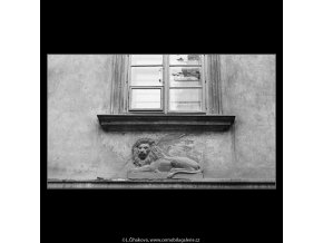 U Černého lva (3459-2), Praha 1965 leden, černobílý obraz, stará fotografie, prodej