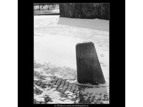 Patník (3496), Praha 1965 únor, černobílý obraz, stará fotografie, prodej