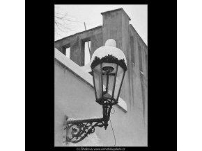 Lucerna a sníh (3539-2), žánry - Praha 1965 březen, černobílý obraz, stará fotografie, prodej