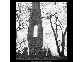 Býv.pomník Františka I (3582), Praha 1965 březen, černobílý obraz, stará fotografie, prodej