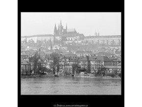 Pohledy na Hrad (3587-2), Praha 1965 březen, černobílý obraz, stará fotografie, prodej