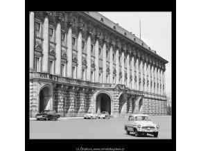 Černínský palác (3627), Praha 1965 duben, černobílý obraz, stará fotografie, prodej