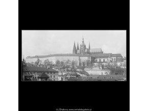 Pražský hrad (3637-3), Praha 1965 duben, černobílý obraz, stará fotografie, prodej