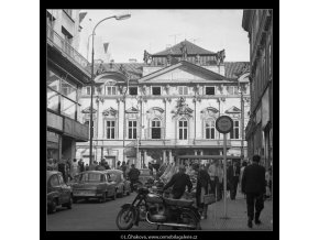 Palác Sylva-Tarouccovský (4704-2), Praha 1966 srpen, černobílý obraz, stará fotografie, prodej