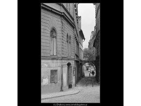 Divadelní ulice (3665-4), Praha 1965 duben, černobílý obraz, stará fotografie, prodej