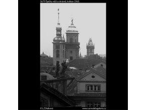 Špičky věží a chrámů (3679), Praha 1965 květen, černobílý obraz, stará fotografie, prodej