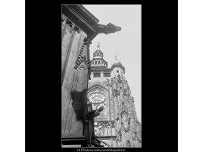 Zlatá brána (3691), Praha 1965 květen, černobílý obraz, stará fotografie, prodej