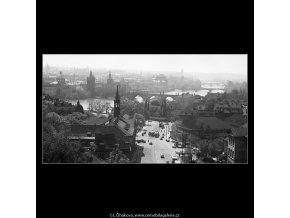 Klárov a mosty (3694-1), Praha 1965 květen, černobílý obraz, stará fotografie, prodej