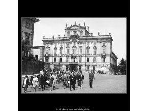 Arcibiskupský palác (3698), Praha 1965 květen, černobílý obraz, stará fotografie, prodej