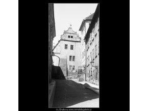 Renesanční dům (3721), Praha 1965 květen, černobílý obraz, stará fotografie, prodej