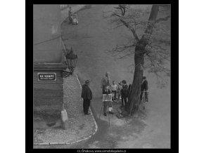 Malíř (3746), žánry - Praha 1965 červen, černobílý obraz, stará fotografie, prodej