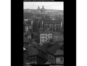 Domy a střechy starého Žižkova (3758-2), Praha 1965 červen, černobílý obraz, stará fotografie, prodej