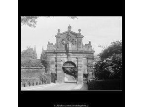 Leopoldova brána (3761-1), Praha 1965 červen, černobílý obraz, stará fotografie, prodej