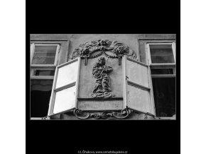 U Černého Koníčka (3775-2), Praha 1965 červen, černobílý obraz, stará fotografie, prodej