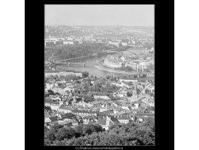 Střechy Malé strany a Vltava (3781-5), Praha 1965 červen, černobílý obraz, stará fotografie, prodej