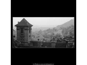 Střechy Malé strany a Hradčan (3790), Praha 1965 červen, černobílý obraz, stará fotografie, prodej