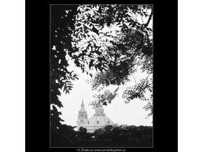 Kopule Mikulášského chrámu (3792), Praha 1965 červen, černobílý obraz, stará fotografie, prodej