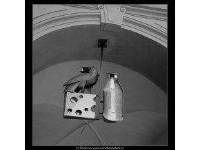 Vývěsní štít mlékárny (3818-2), Praha 1965 červenec, černobílý obraz, stará fotografie, prodej
