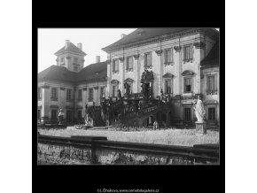 Zámek Troja (3821), Praha 1965 červenec, černobílý obraz, stará fotografie, prodej